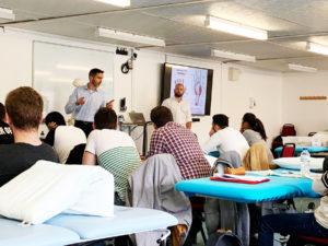 Apprentissage de l'ostéopathie anglaise pour les étudiants du Conservatoire Supérieur d'Ostéopathie Paris.